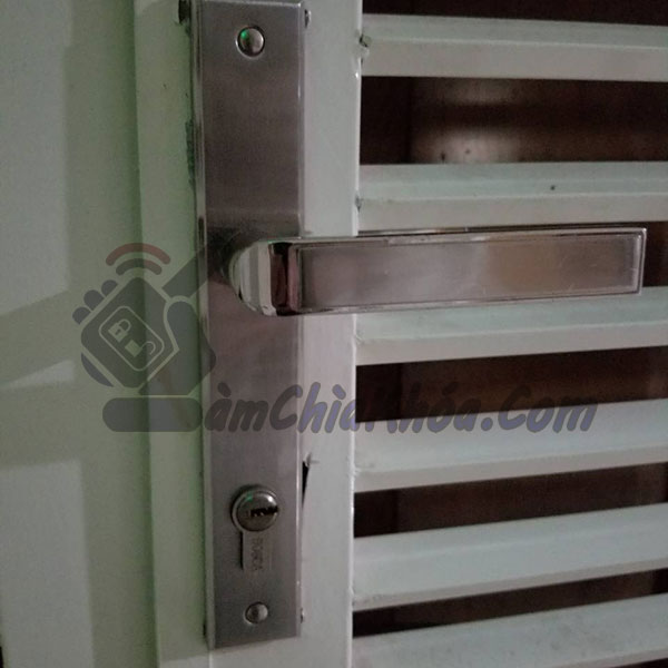 thay khóa cửa sắt, lắp khóa cửa sắt