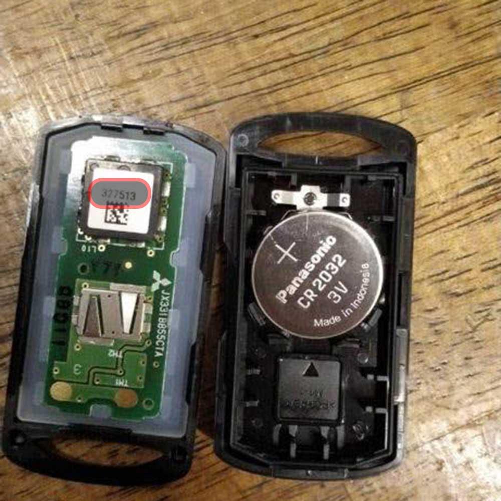 Đọc mã ID mã code xe máy Janus NVX Latte nằm bên trong remote có mã QR